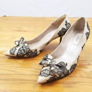 Valentino Floral Bow Pointy Toe Nude Heels Design
